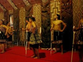 Tommys Tour - Maori ceremony